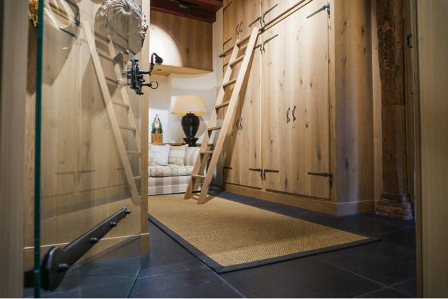 Entree aus Eichenholz Schrank mit Treppe