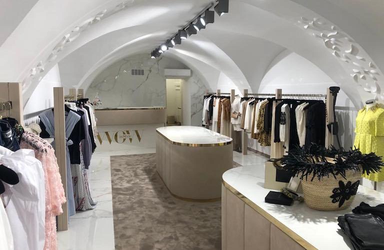 Luxus Damen Boutique weißer Marmor mit Gold